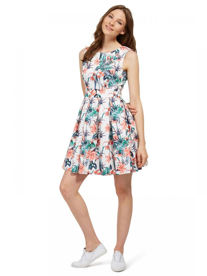 short floral dress and sneakers summer wear