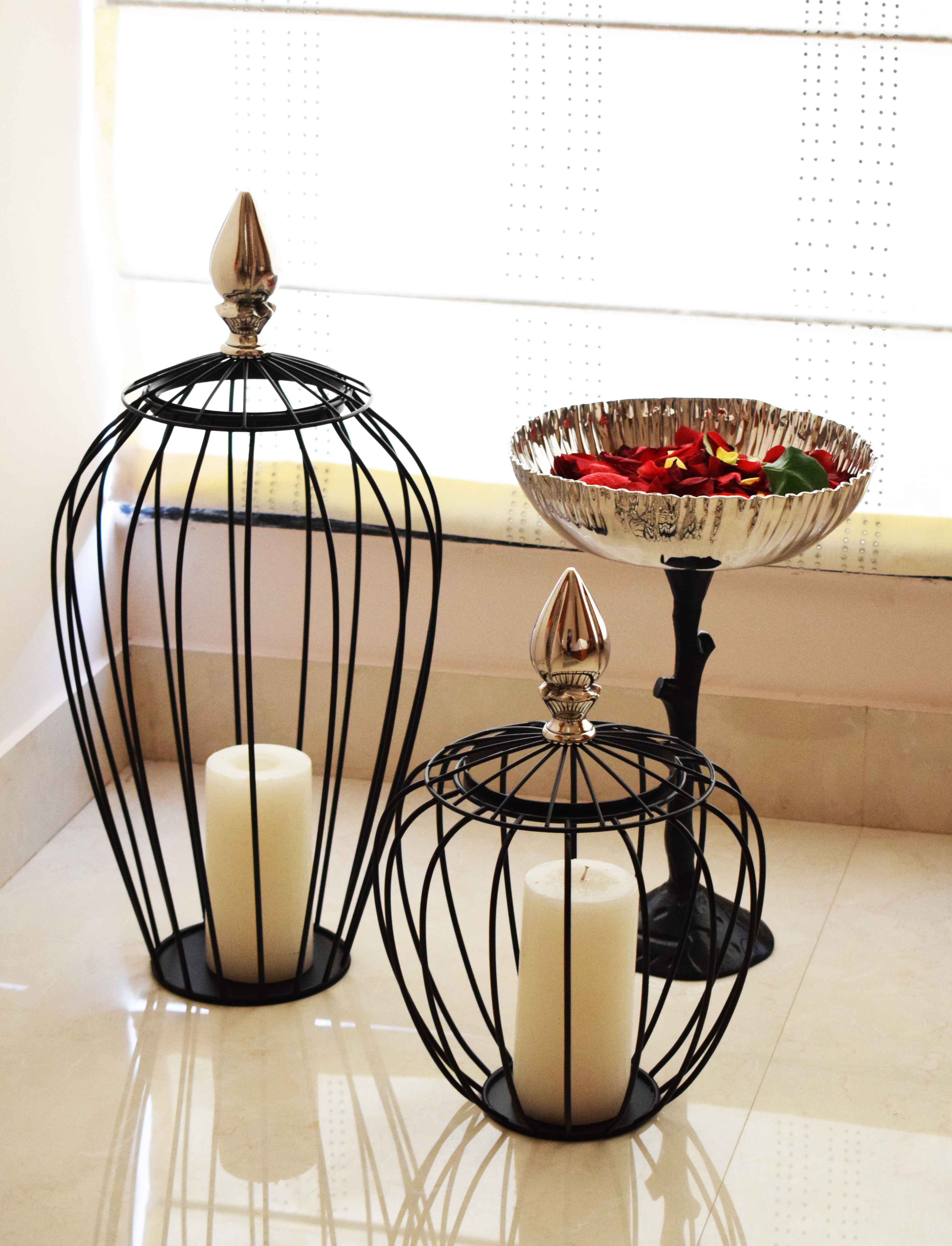 Enchanting collection of handcrafted candles by Fanusta.