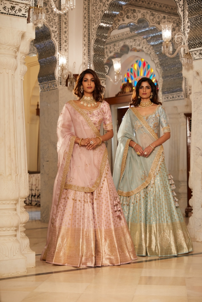 Ciceroni, Diwali shopping, saree, your local shopping guide, handloom, trends, rentattali, rimzim dadu, shivan and narresh, Akashi, Saroj Jalan, Sahil Kochhar , Dolly J, avishya, biba, voonik, Paio,