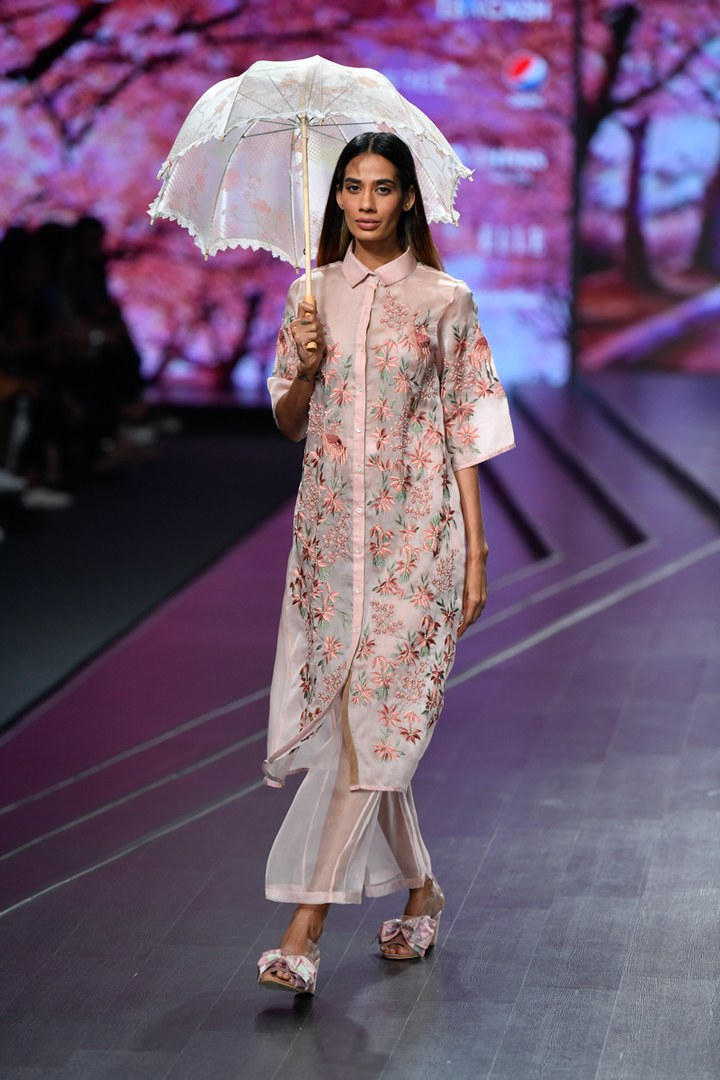 ciceroni- FDCI- spring/summer fashion 2020 - shopping guide- city guide - fashion trends 2020- FDCI - Lotus Makeup Herbals - Fashion week - Fashion trends - Summer trends - Festive fashion 2020 - Summer wedding