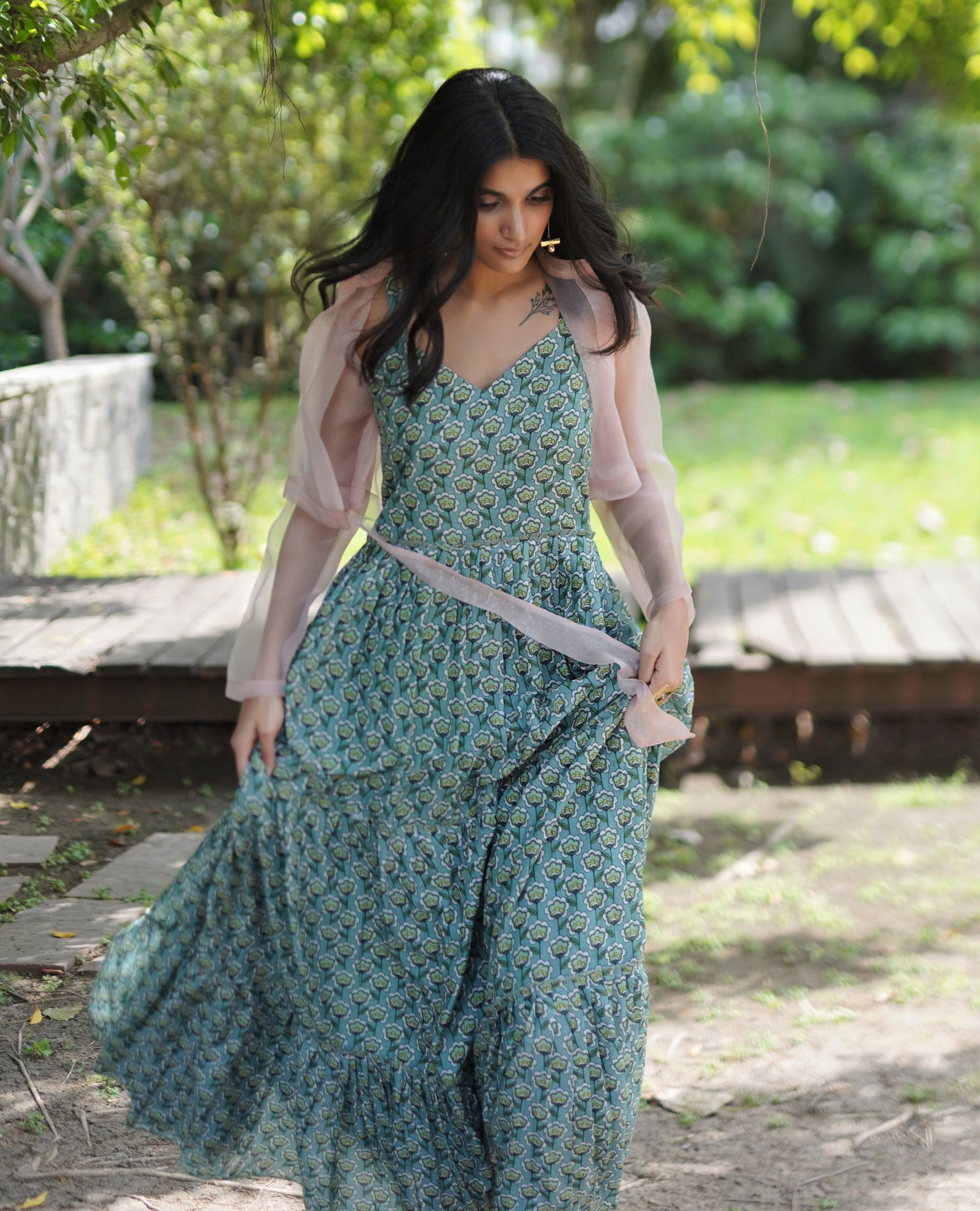 Ciceroni – fashion and lifestyle – shopping – online shopping – parisangam – denims – dresses – maxi-dresses – saree – festive fashion – men's fashion – women's fashion – kidswear