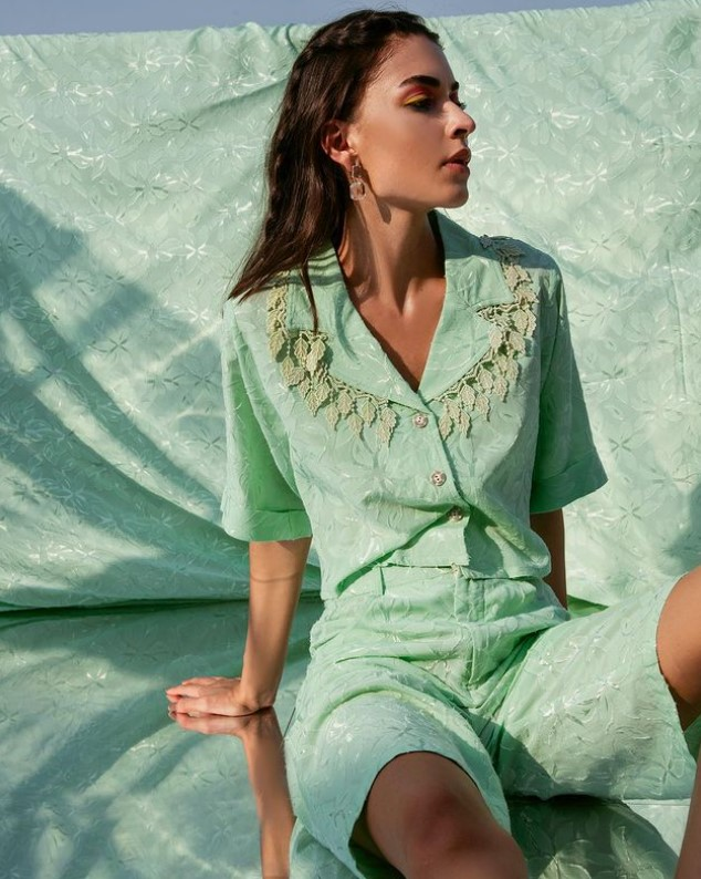 Ciceroni - comfort wear - pandemic fashion – spring/summer 2021 – comfortable fashion – relaxed silhouette – Satva – The Boozy Button – Celebrity pandemic fashion – Essgee - 2020-2021 – The Year when Comfort Became the King in Fashion